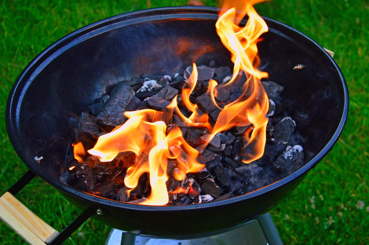 Top Charcoal Grilling Tips for Beginners